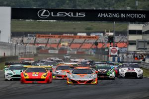 The start of Rnd#4 of the GT Asia Series at Autopolis circuit