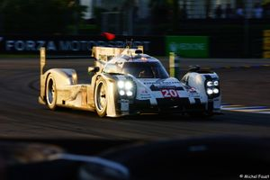 Porsche 919 at sunset