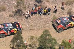 Cyril Despres ha rescatado a su compañero de Peugeot Sebastian Loeb