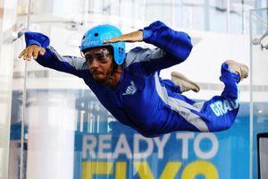 Lewis Hamilton en Skydiving