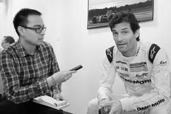 Erwin Jaeggi in gesprek met Mark Webber (Foto: Damien Martinière)