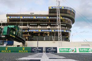 Start-finish op het Circuit de la Sarthe