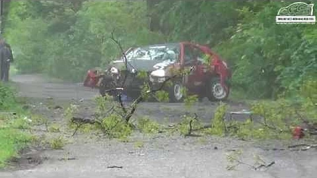Massive crash at Rally Zamkowy in Poland