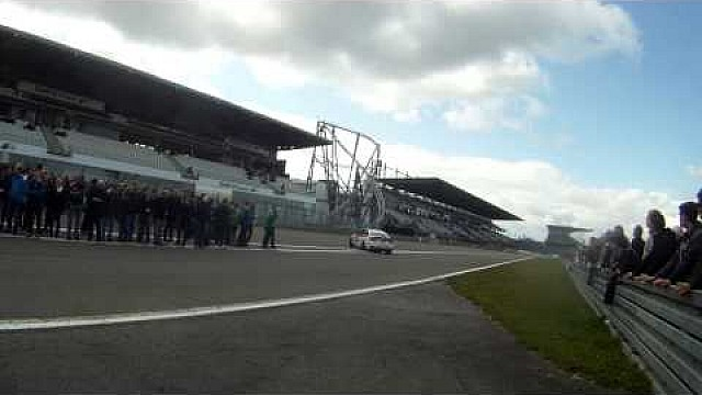 Crash on the starting grid of the VLN round 7 race