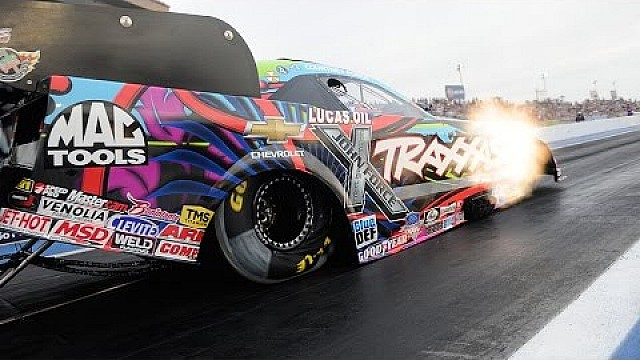 Courtney Force llega de primera en las calificaciones del viernes del CARQUEST National