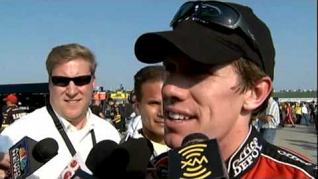 Carl Edwards tape le mur en essayant de s'imposer au Kansas en 2008