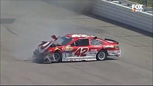 Kyle Larson crasht hard - NASCAR Sprint Cup Auto Clib