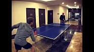 Nico vs Niki - un juego de ping pong entre Nico Rosberg y Niki Lauda