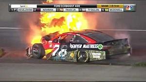 Acidente entre Edwards e Logano na decisão da NASCAR