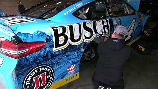 Harvick hits the wall in practice