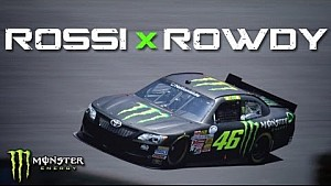 Valentino Rossi test de NASCAR van Kyle Busch