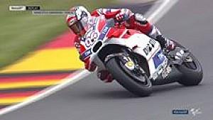 Komparasi riding style di Tikungan 11 Sachsenring