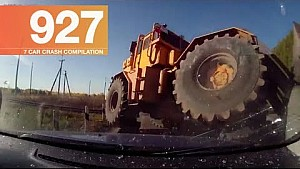Car crash compilation 927 - October 2017