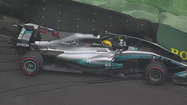 GP du Brésil - Le crash de Lewis Hamilton en qualifications