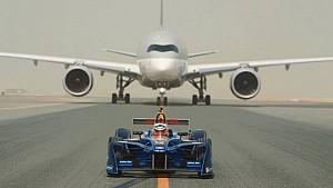 Une Formule E contre un Airbus