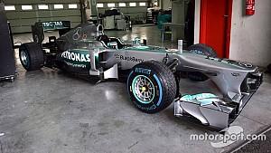 Aldo Costa alla guida della Mercedes W04
